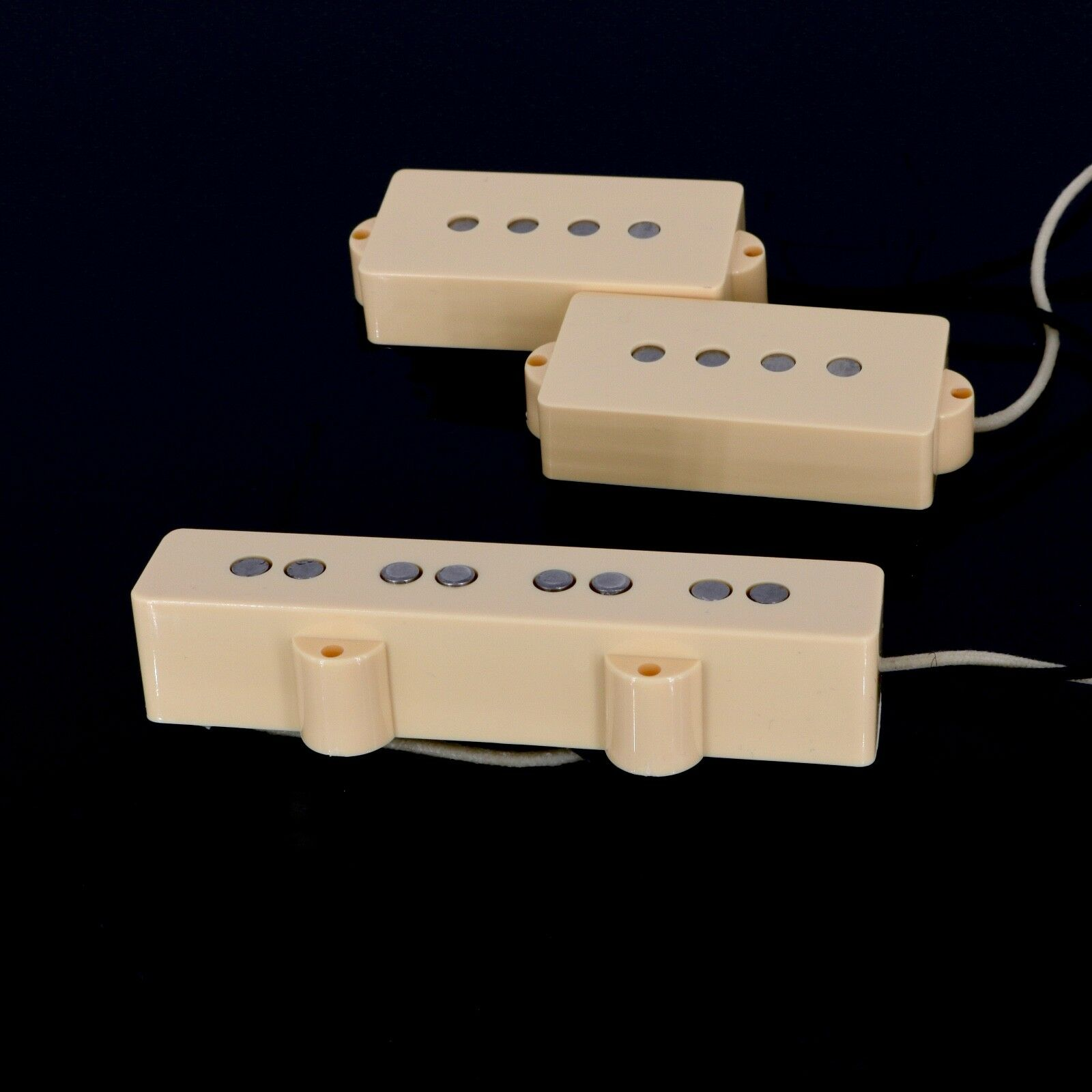 Lindy Fralin P-J Bass Set Perfect Balance - Cream Covers
