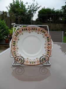 Image is loading VINTAGE-ROSINA-QUEENS-CHINA-CAKE-PLATE-IN-VGC & VINTAGE ROSINA QUEENS CHINA CAKE PLATE IN VGC | eBay