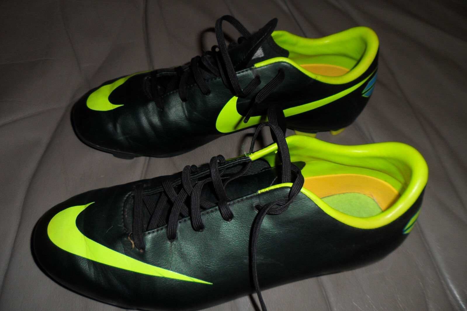 NIKE MERCURIAL OUTDOOR SOCCER CLEATS, MINT MINT MINT CONDITION, Dimensione 6Y b8edb7