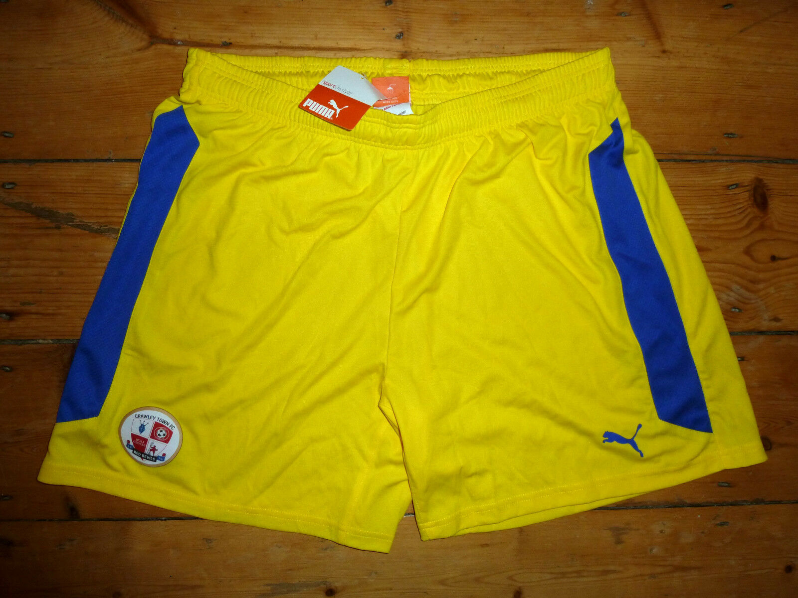 Size L CRAWLEY TOWN FC Football Shorts 2014 15 Soccer Shorts yellow Puma