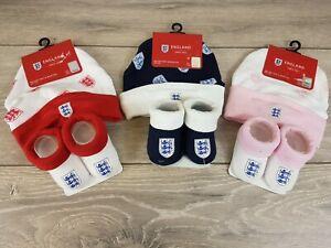 Officiel-Football-Angleterre-2-PCS-Set-bebe-enfant-0-6-mois-BONNET-CHAUSSONS-B312