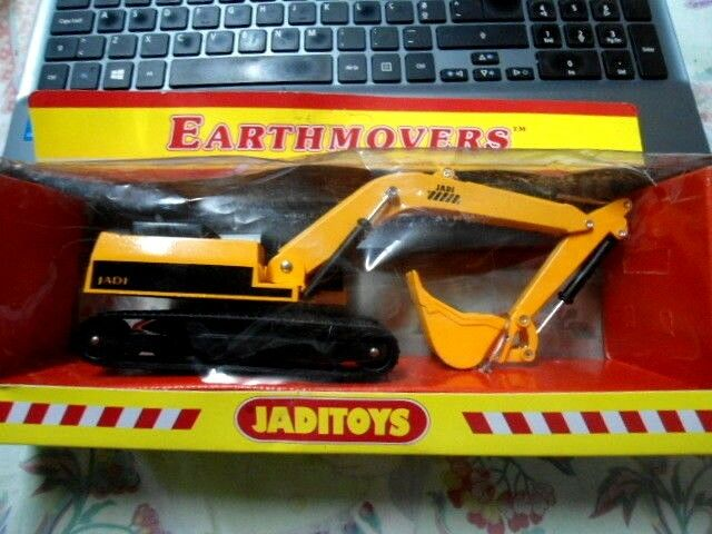 JADIgiocattoli EXCAVATRICE EARTHMOVERS METAL WITH PLASTIC PARTS