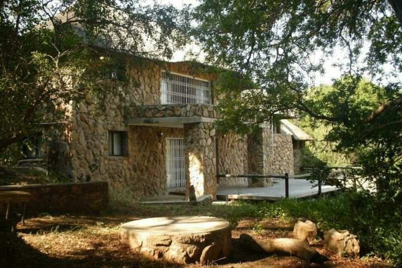 4 Bedroom House For Sale in Lissataba Private Nature Reserve