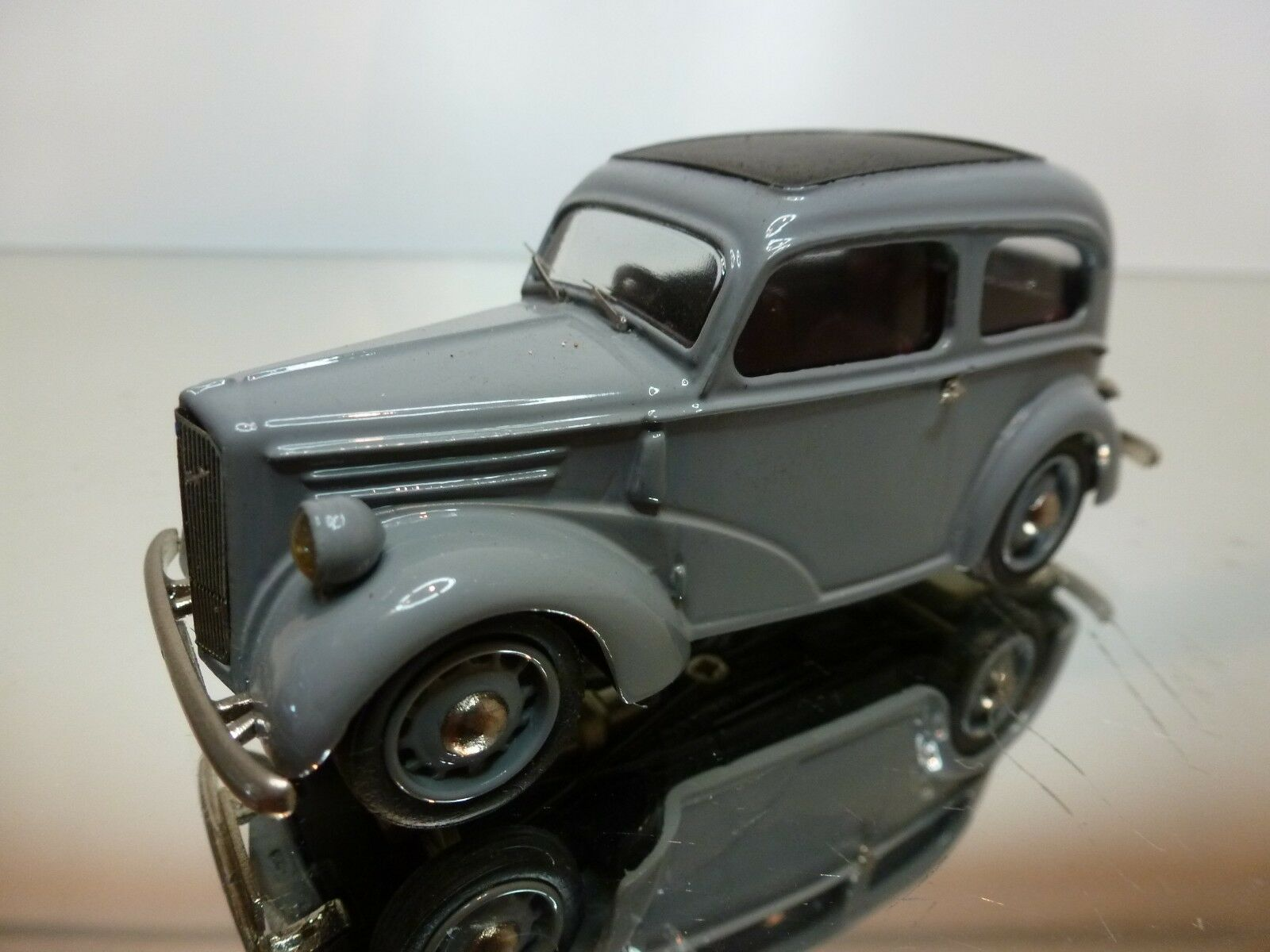 WESTERN MODELS FORD ANGLIA EO4A 1946 - gris 1 43 - EXCELLENT CONDITION - 15