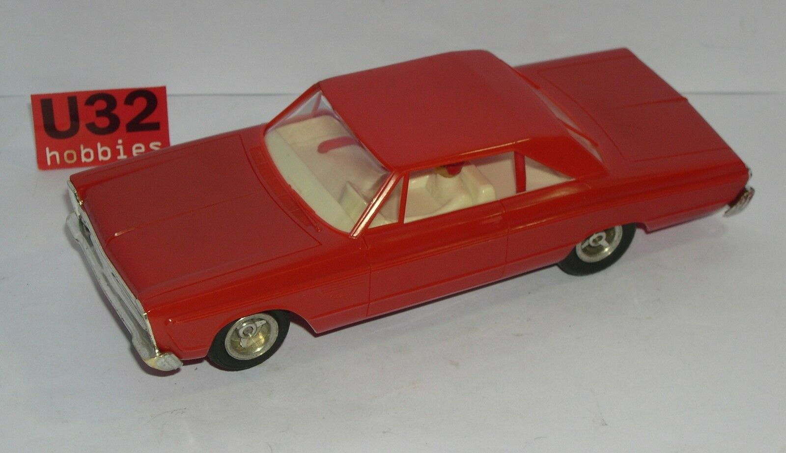 FN-IMC 203 PLYMOUTH FURY COUPÉ ROT AUSGEZEICHNET ZUSTAND UNBOXED 1 32