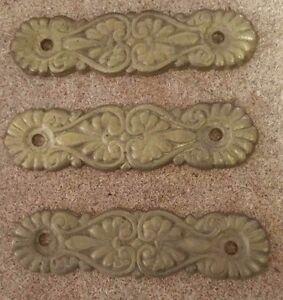 Set-of-3-Matching-Ornate-DRESSER-DRAWER-PULLs-Soild-BRASS-3-034-holes-2oz-each