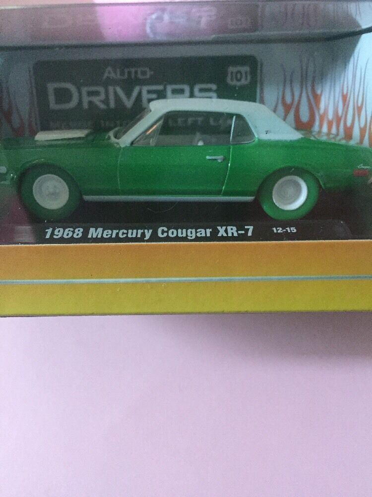 M2 Auto Drivers 1968 MERCURY Cougar XR-7 Chase Pièce échelle 1 64