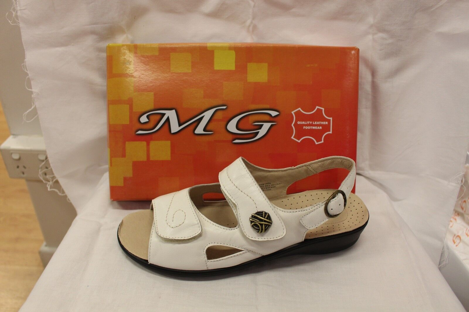 LADIES SHOES FOOTWEAR - MG sandal Pace white