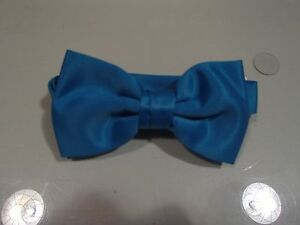 """Men's """"Turquoise"""" Solid Satin Formal Bow Tie"""