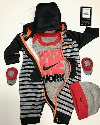 NIKE THERMA DRY FIT 4 pcs GIFT Set Newborn Coverall,Bodysuit,Cap /& Booties 0-6 M