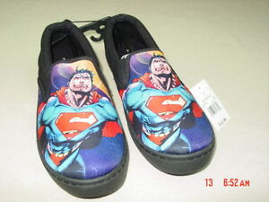 NWT-Men-039-s-Novelty-Casual-Canvas-Slip-On-Shoes-Superman-Black-Graphics-Footwear