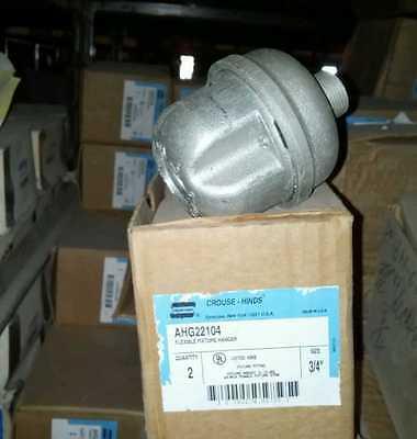 CROUSE HINDS   AHG22104 FLEXIBLE FIXTURE HANGERS BOX OF 2.