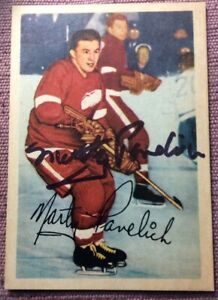 SIGNED-1953-54-PARKHURST-44-MARTY-PAVELICH-RED-WINGS-EX-CONDITION