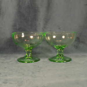 VINTAGE-GREEN-DEPRESSION-GLASS-DESSERT-DISHES-SET-OF-2