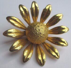 broche-ancien-bijou-vintage-fleur-en-relief-finement-detaille-couleur-or-2141