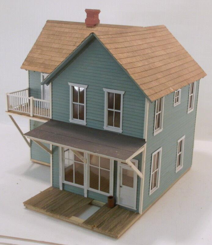 O On3 On30 CRAFTSMAN CUSTOM BUILT  TWO STORY HOTEL & ROOMING HOUSE BUILDING