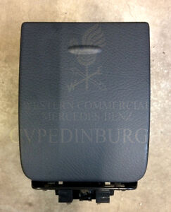 Genuine-Mercedes-Benz-639-Vito-Passenger-Side-Dash-Cup-Holder-Anthracite