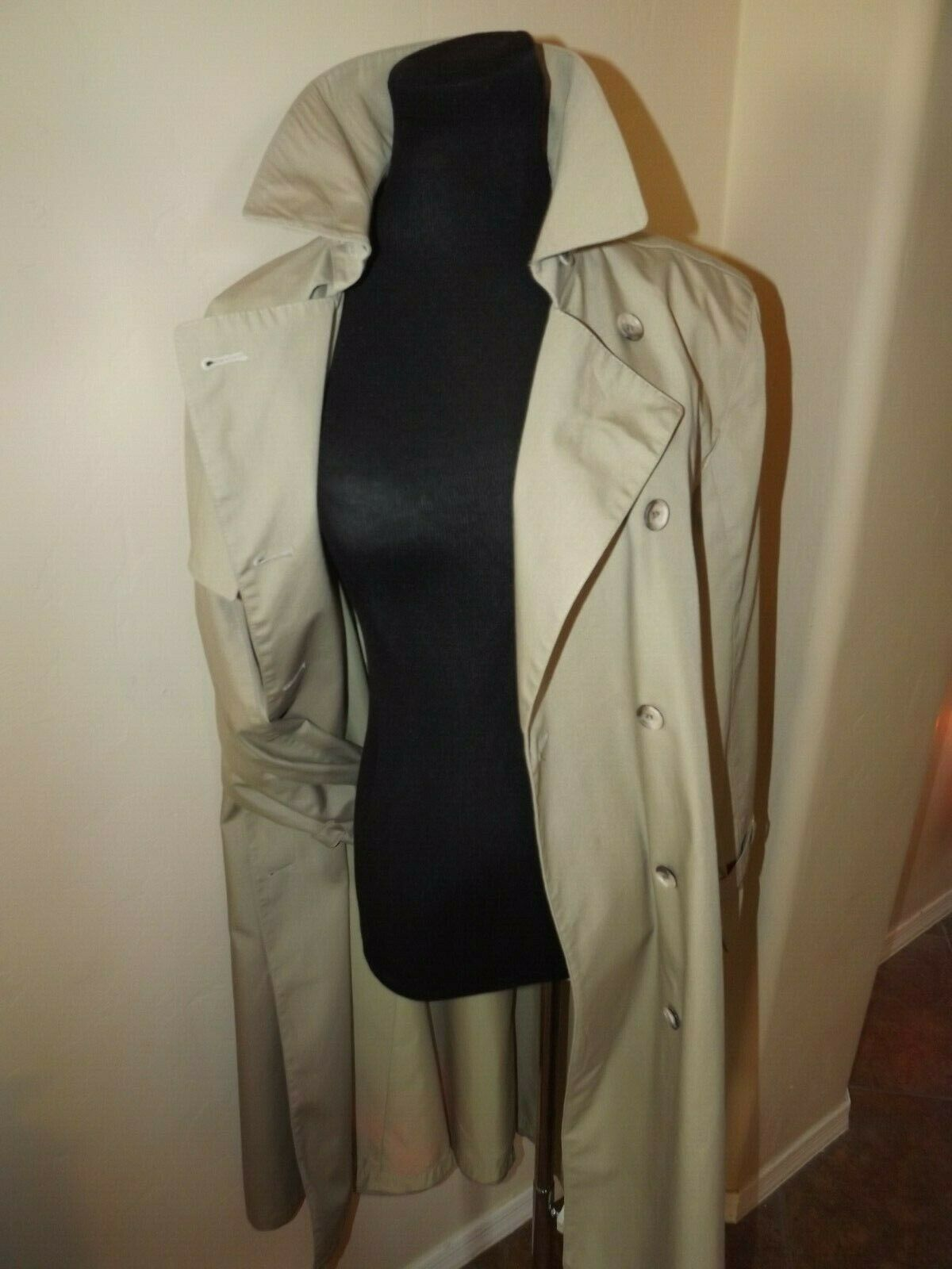 WOW  London Fog Khaki Beige Traditional Trench Coat Size 8 REG - No belt