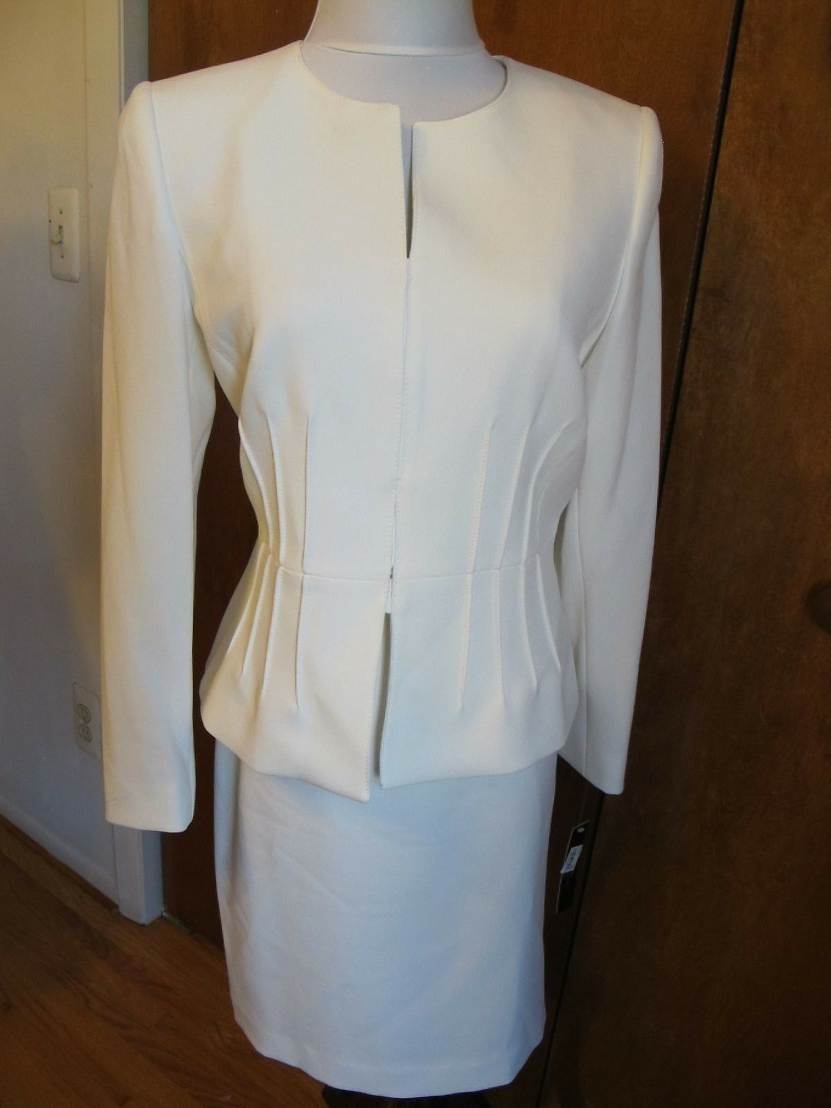 Tahari Asl Women's Ivory White Gorgeous 2 Piece Skirt Suit Size 8 8P NWT