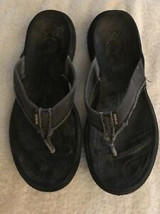 fe0e269d0 Men s Size 8 Distressed Crocs Flip Flops Sandals Black and Gray