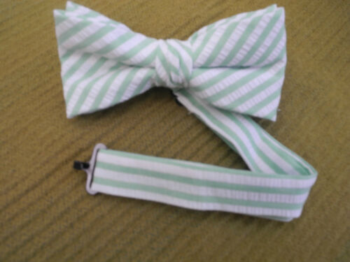 NEW  BOYS//TEEN BOW TIES GREEN//WHITE SEERSUCKER BANDED BOW//USAMADE