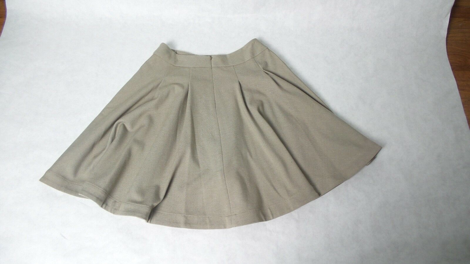 YIGAL AZROUËL New York Beige Swing Skirt Size 0 Made in the USA