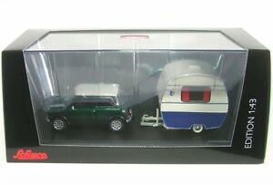 Mini-Cooper-con-Caravana-Knaus-Nido-de-golondrinas-Caravan