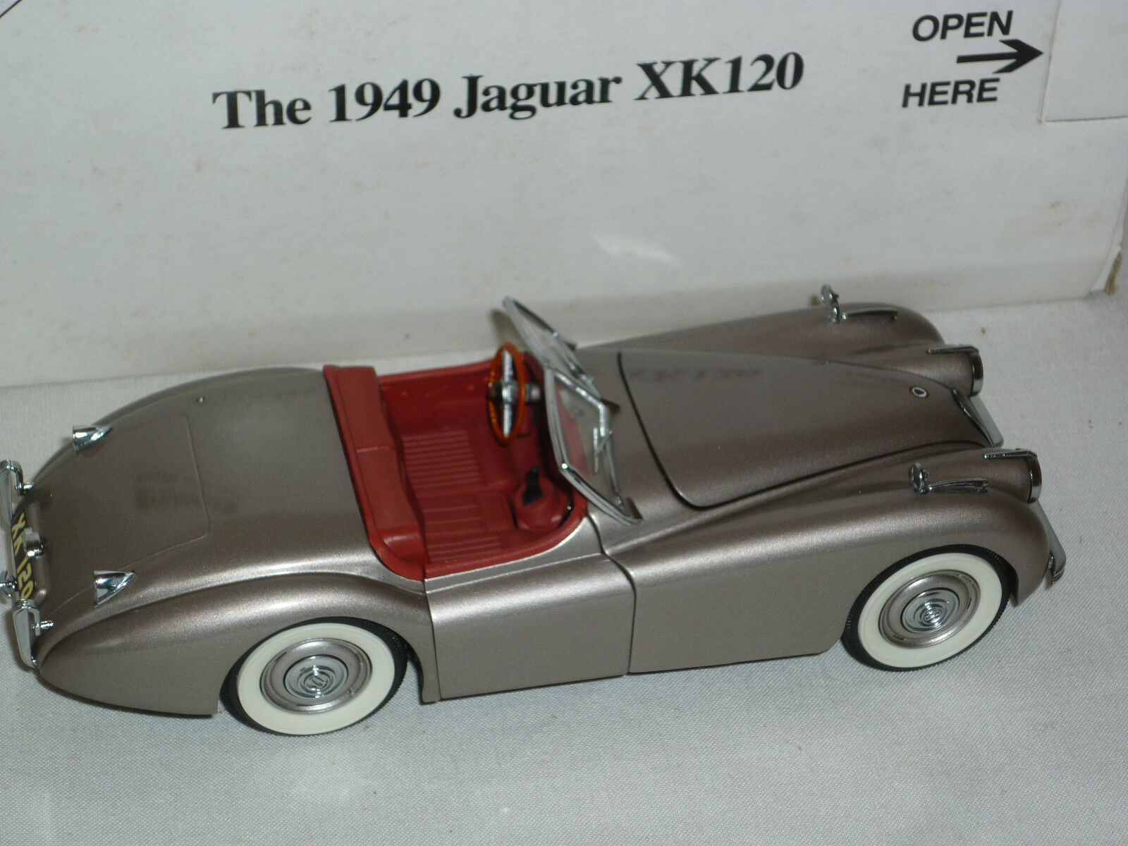 Un Danbury Comme neuf scale model voiture 1949 JAGUAR XK120, boxed