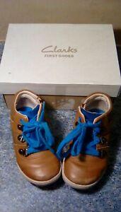 Clarks Premières Chaussures Garçons Uk 6 1/2 Coupe G 23 Euros-afficher Le Titre D'origine Ventes Bon Marché