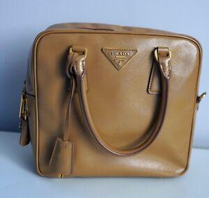 1690-Prada-Bag-Nude-Box-Square-Lacquer-Saffiano-logo-powder-pink-100-Authentic