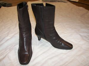 Women-039-s-Isotoner-Brown-Leather-Boots-7M