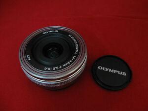 Olympus-M-Zuiko-14-42mm-f-3-5-5-6-EZ-Silver-Lens-for-Micro-Four-Thirds-3-4
