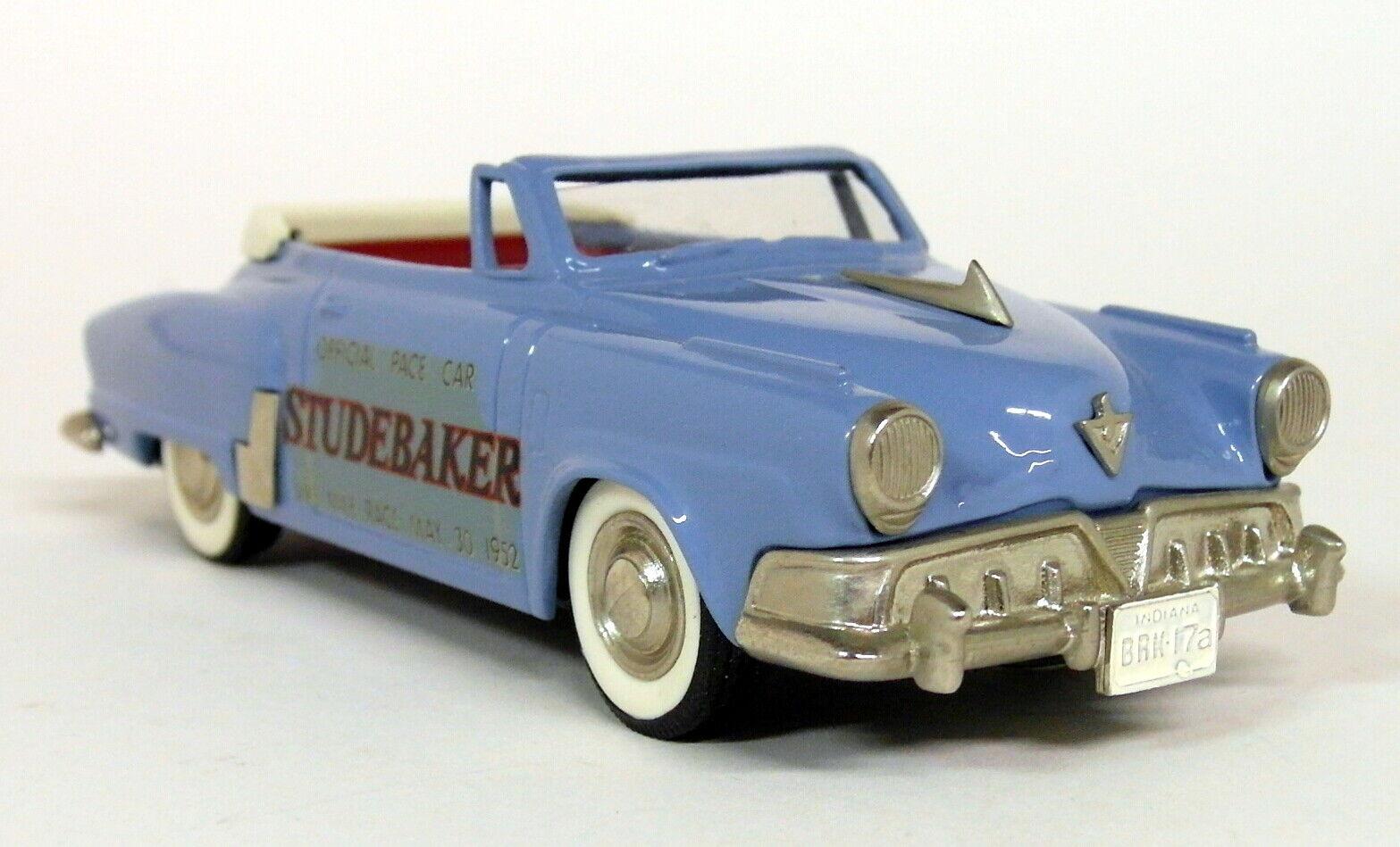 tomamos a los clientes como nuestro dios Brooklin 1 43 43 43 escala BRK17A 1952 Studebaker comandante Converdeible Pace Coche Azul  bienvenido a comprar