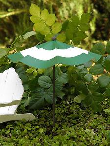 Miniature-FAIRY-GARDEN-Accessories-Green-amp-White-Striped-Beach-Umbrella-NEW