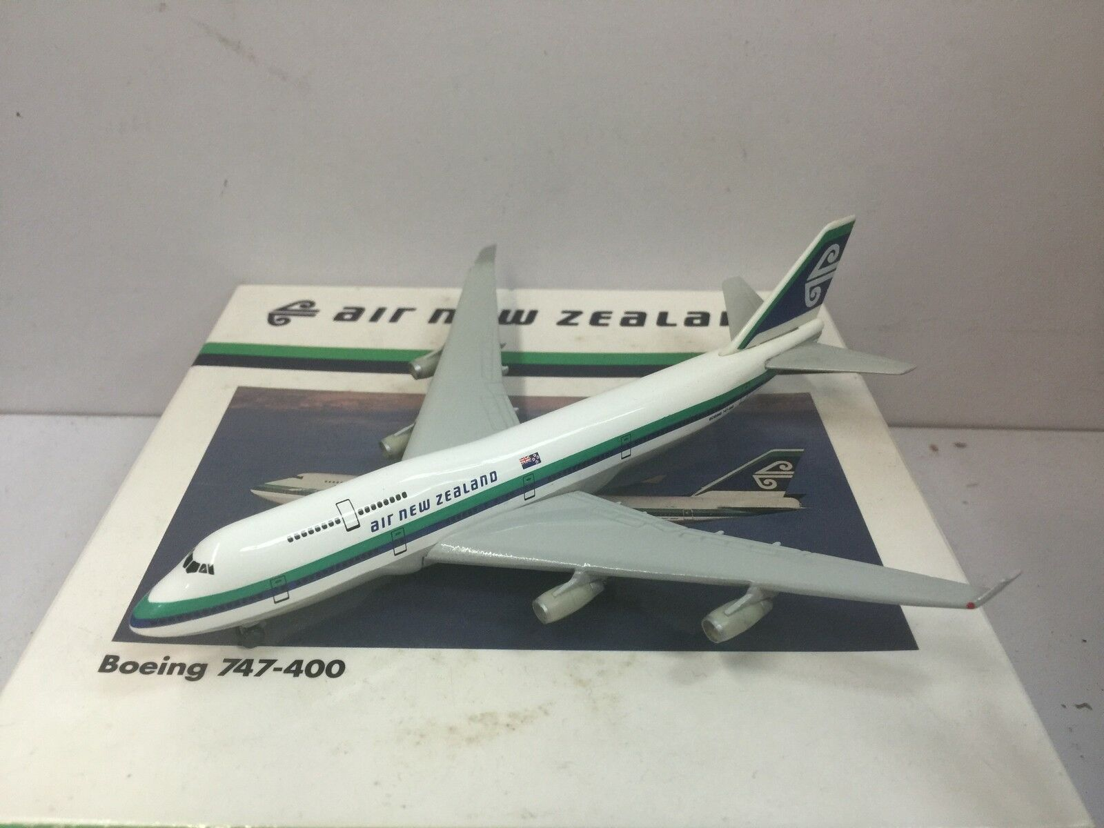 Herpa Wings 500 Air New Zealand B747-400  1995s color - Pacific Wave  1 500 OG