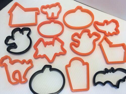 WILTON Halloween Cookie Cutters 13 Pcs Plastic Pumpkin Bat Cat Tombstone New