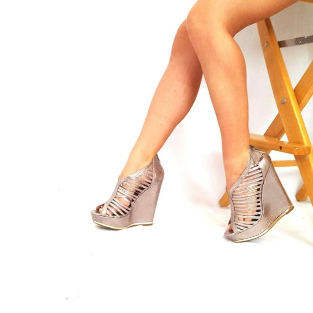 18d4ec3ce0c Steve Madden Wrese Sz 8 M Silver Snake Skin Strappy Peep Toe Wedges Women s  Heel