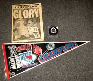 1994-NEW-YORK-RANGERS-STANLEY-CUP-CHAMPIONS-PENNANT-PUCK-amp-DAILY-NEWS-NEWSPAPER