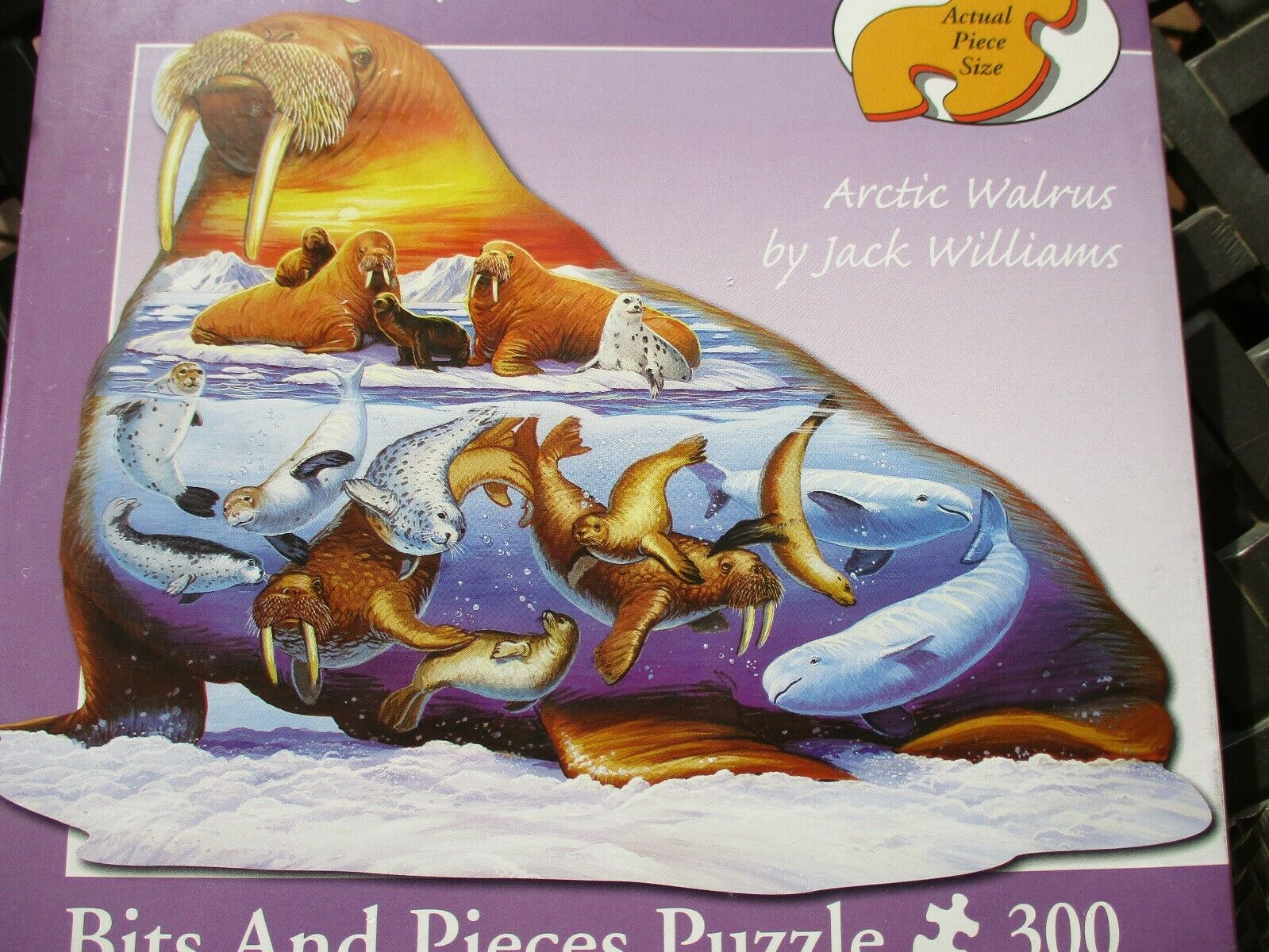 Arctic Life 300 Piece Shaped Puzzle