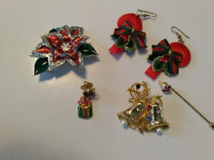 Vintage-Costume-Jewelry-Christmas-Assortment-Brooch-Earrings-see-details