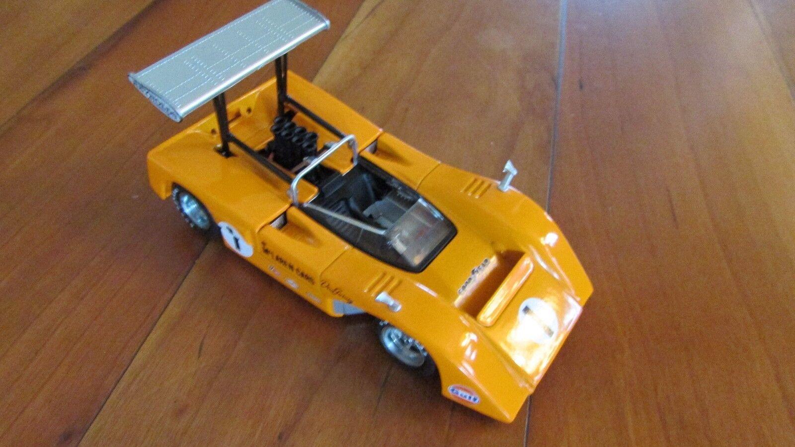 1 43 GMP 1969 McLAREN M8 B Dan Gurney Voiture de course  1 aile haute Can Am Chevy V8