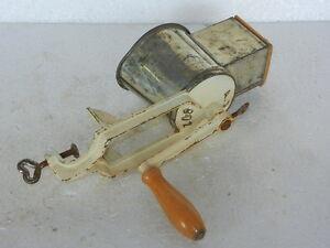 Vintage-Rara-Hierro-Handforged-Unico-Exprimidor-Molinillo-Utensilios-Alemania
