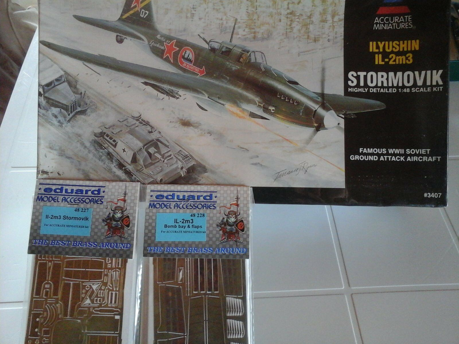 ILYUSHIN IL-2M3 STORMOVIK 1 48 SCALE ACCURATE MINIATURES MODEL+N.2 PHOTOETCHED P