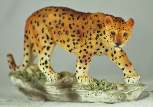 a Lovely Present or Gift for an Animal Lover Realistic Model Leopard Ornament