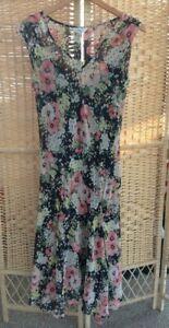 NEXT-Long-Maxi-Dress-Sleeveless-V-Neck-Lined-Size-12-Floral