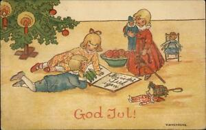 Foreign-Christmas-Happy-Children-Read-Book-by-Tree-Schonberg-c1910-Postcard
