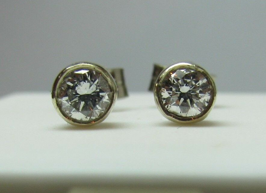 Brand New Diamond 9ct White gold Rubover Stud Earrings Freepost