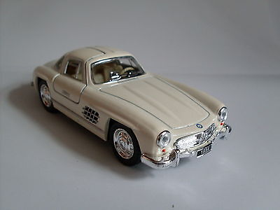 1954 Mercedes-benz 300 Sl Coupe White, Car Model Approx.1:3 8:3 6