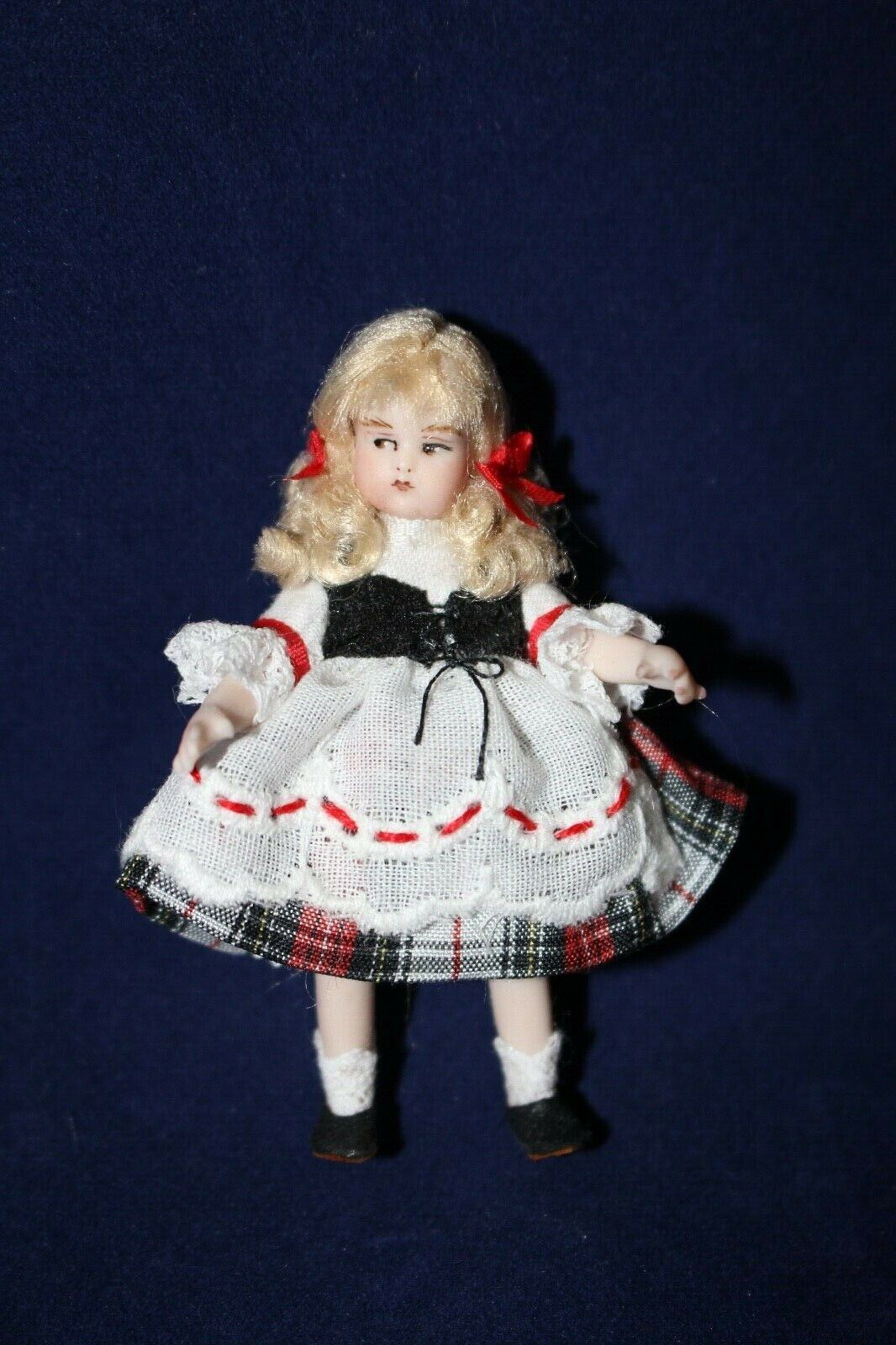2-1 2  Miniature Porcelain Antique Reproduction Just Me Doll by Pat Boldt