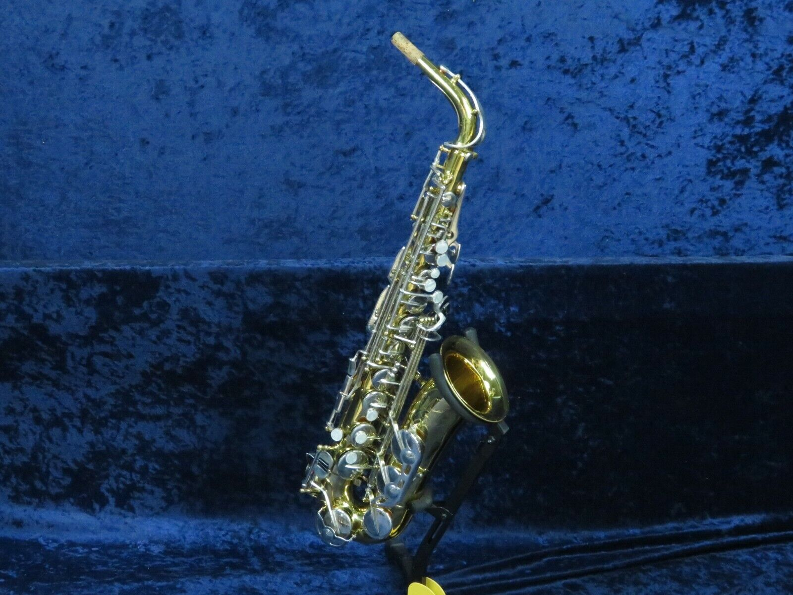 .King Empire 665 Alto Saxophon SerPlays Great and in Great Shape